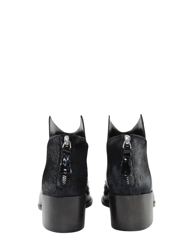 Eboy_black_back_web.jpg - buy clothes online of emerging designers